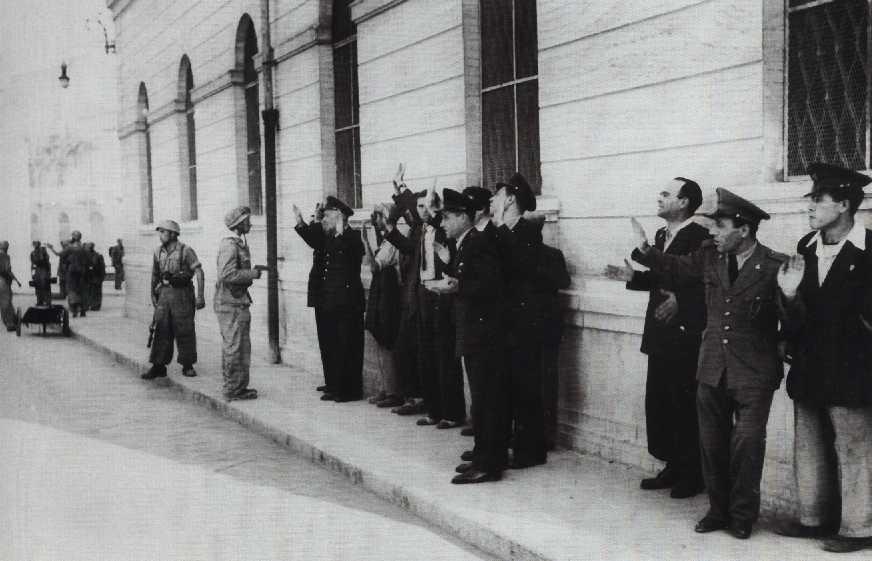 Risultati immagini per PIAZZA CADUTI BARLETTA